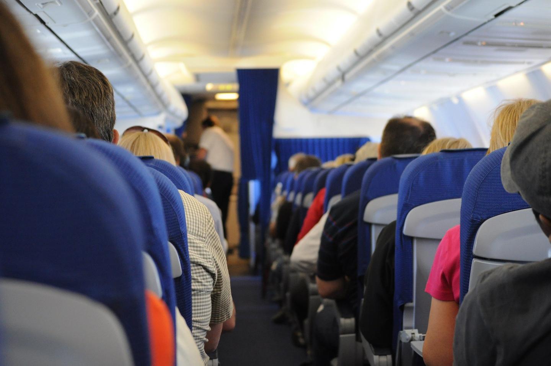 el asiento más seguro para viajar en avión