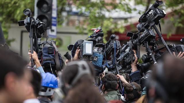Filtran una lista de periodistas mexicanos que habrían recibido pagos millonarios de Peña Nieto por publicidad