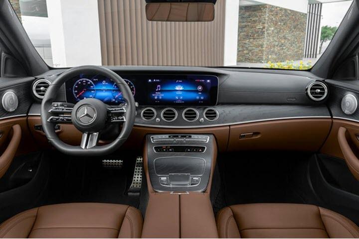 Lần đầu tiên Mercedes-Benz E-Class trang bị tính năng chống mỏi lưng