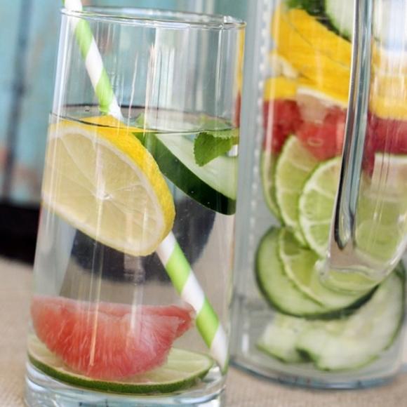 Resepi Air Detox Timun Dengan Grapefruit Bersama Lemon Dan Daun Pudina