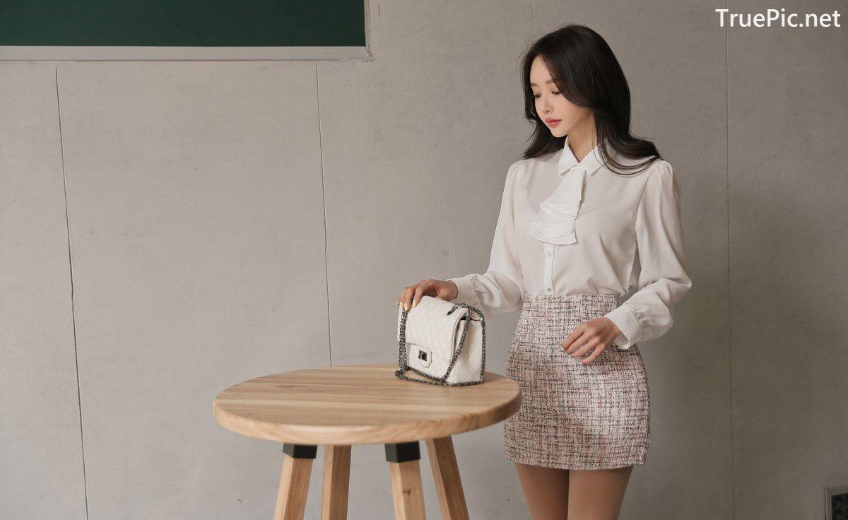 Image-Hot-Korean-Fashion-Model-Son-Yoon-Joo-She-So-Lovely-With-Miniskirt-TruePic.net- Picture-8
