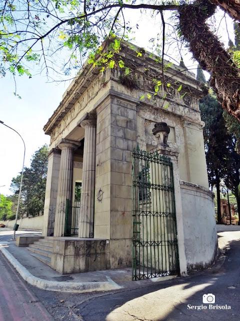 Vista ampla do Pórtico do Cemitério da Consolação - Consolação - São Paulo