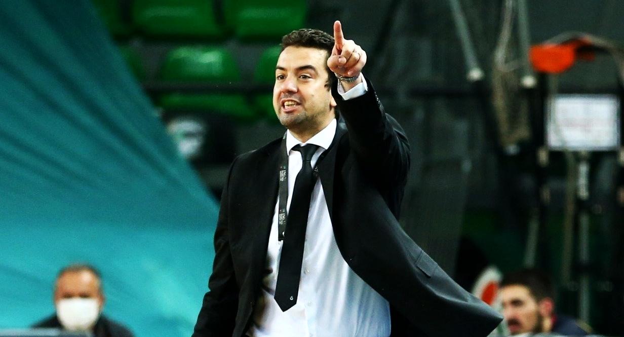 Ömer Uğurata: Yeni yıla da Fenerbahçe galibiyetiyle başlamak istiyoruz!