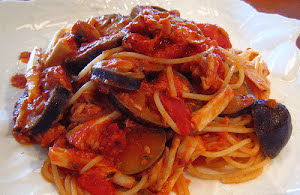 Eggplant and Mushrooms Spaghetti