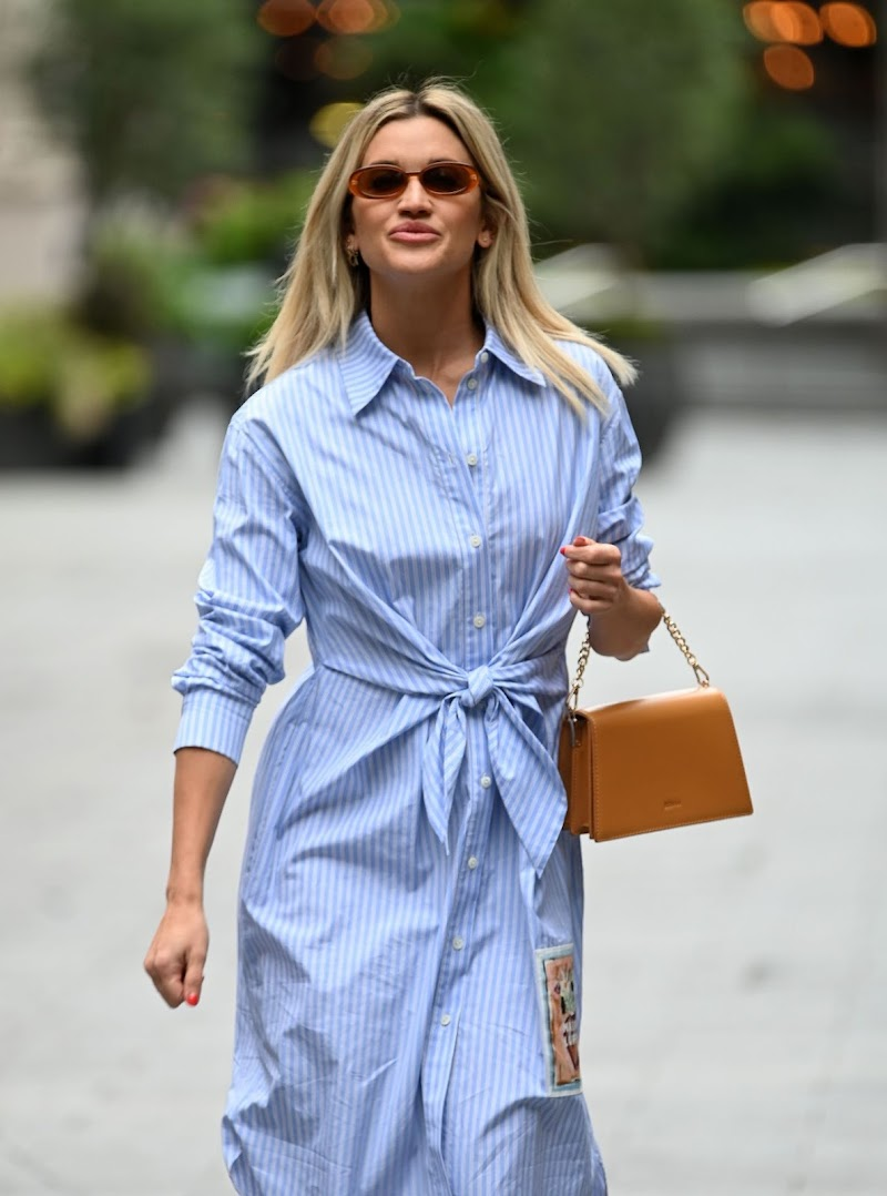 Ashley Roberts Spotted at Global Radio Radio Studios in London16 Jul -2020