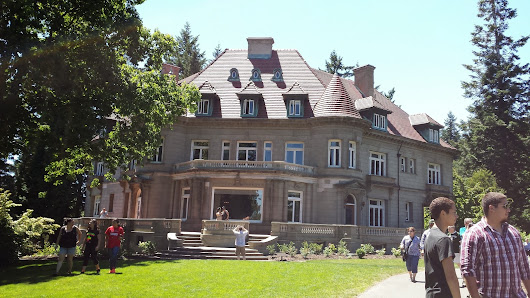 The 7th Annual Pittock Mansion Picnic