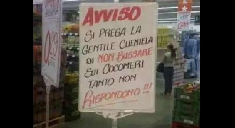 Pengumuman pelarangan mengetuk semangka di Supermarket di Italia