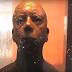 Κακό πράγμα η περιέργεια: Παρέβλεψαν την προειδοποίηση να μην κοιτάξουν το άγαλμα στα μάτια και δείτε τι έπαθαν! (photo+video)