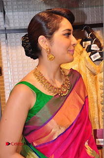 Raasi Khanna Inagurated R.S Brothers at Kothapet  0199.JPG