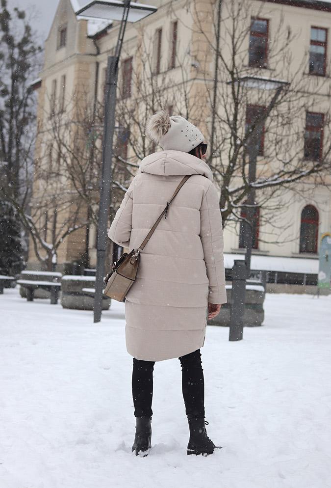 kurtka pikowana długa beżowa damska