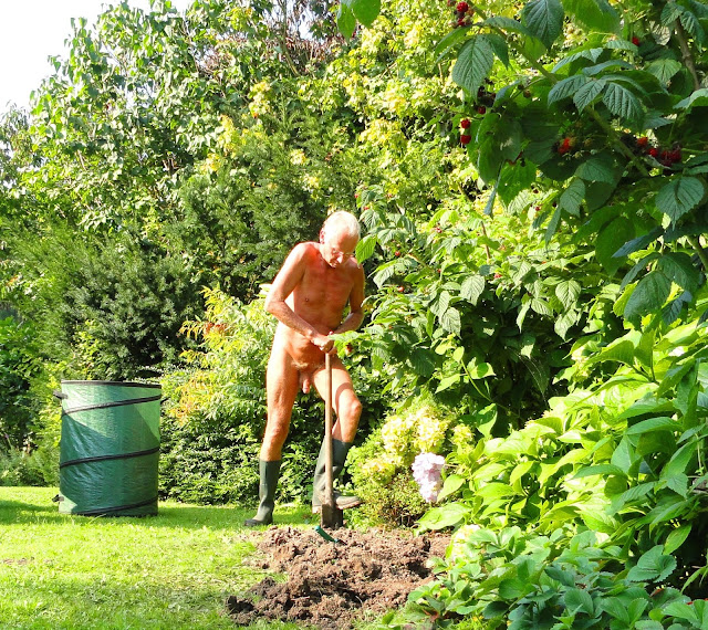 Naturism is a Nature-in-nature experience
