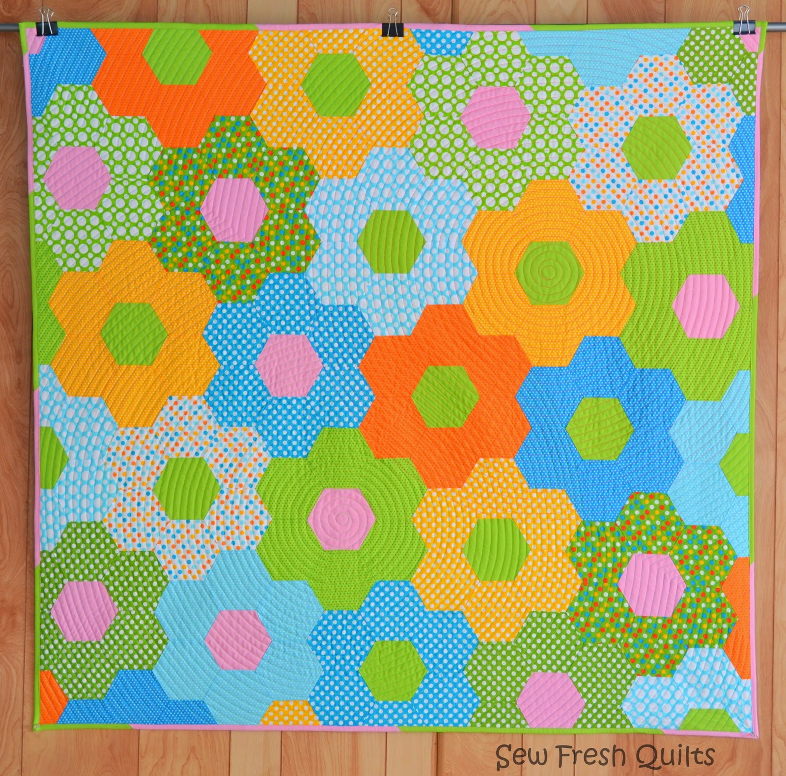 http://sewfreshquilts.blogspot.ca/2014/01/tutorial-for-sewing-hexagons-by-machine.html