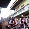 Blusukan di 5 Luhah Sungaipenuh, Fikar, Yos, dan Ferry Iringi Tale dan Dikalungi Selendang Batik