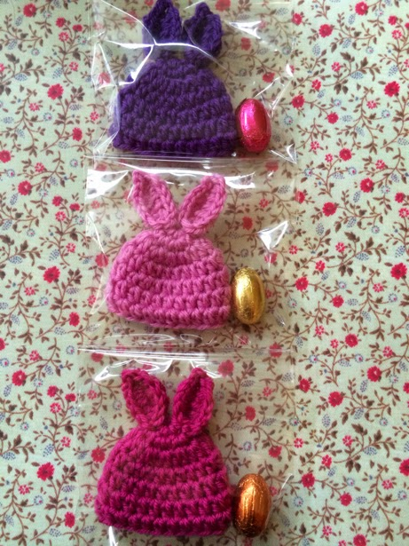 Easter free crochet patterns. A roundup of cute free crochet patterns to make for Easter. Easter bunnies, Easter eggs, and others.