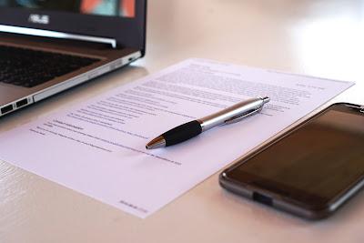 Exige un contrato por escrito a la agencia inmobiliaria, con todas las condiciones de trabajo