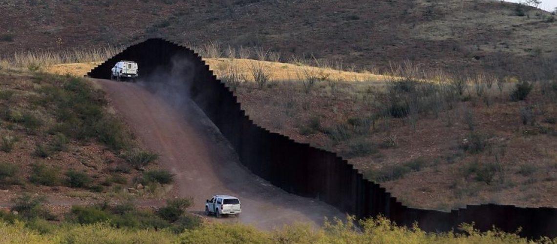 Halcones del Cártel de Sinaloa en las colinas de Arizona