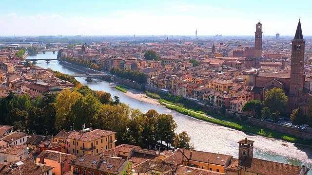 The Top 5 Beautiful Places in Italy, Italy Verona, Romeo and Juliet story, Willam Shakespeare, UNESCO World Heritage site, castle complex