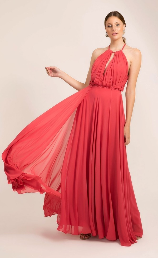 vestido longo coral fluido para madrinha de casamento dia