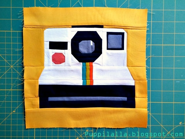 Polaroid quilt, camera block, paper foundation piecing, Puppilalla