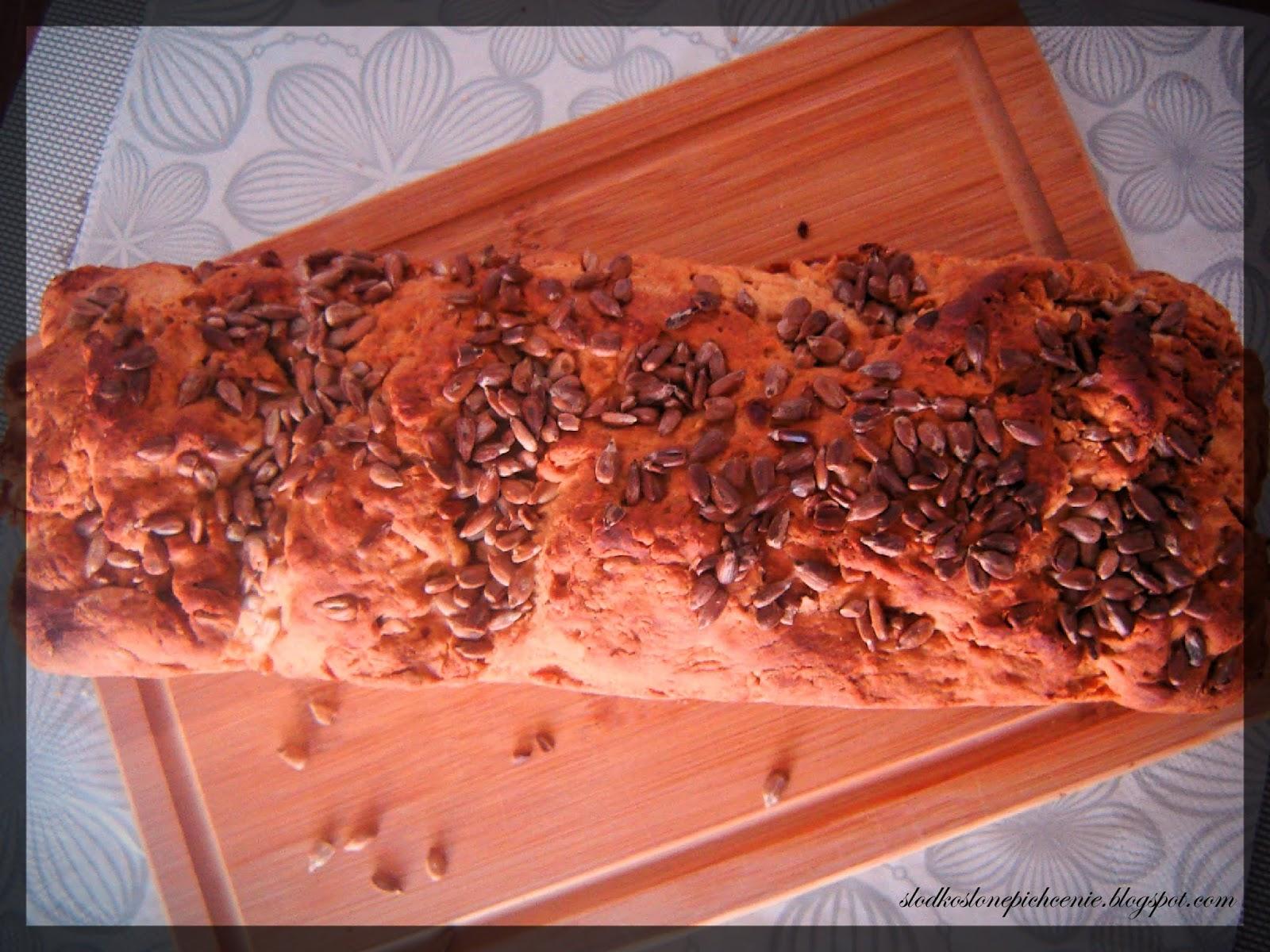 chleb pszenno-orkiszowy ze słonecznikiem