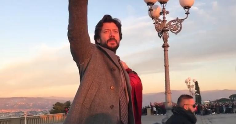 Κοσμοπλημμύρα στη Φλωρεντία στα γυρίσματα του Casa De Papel (Video)