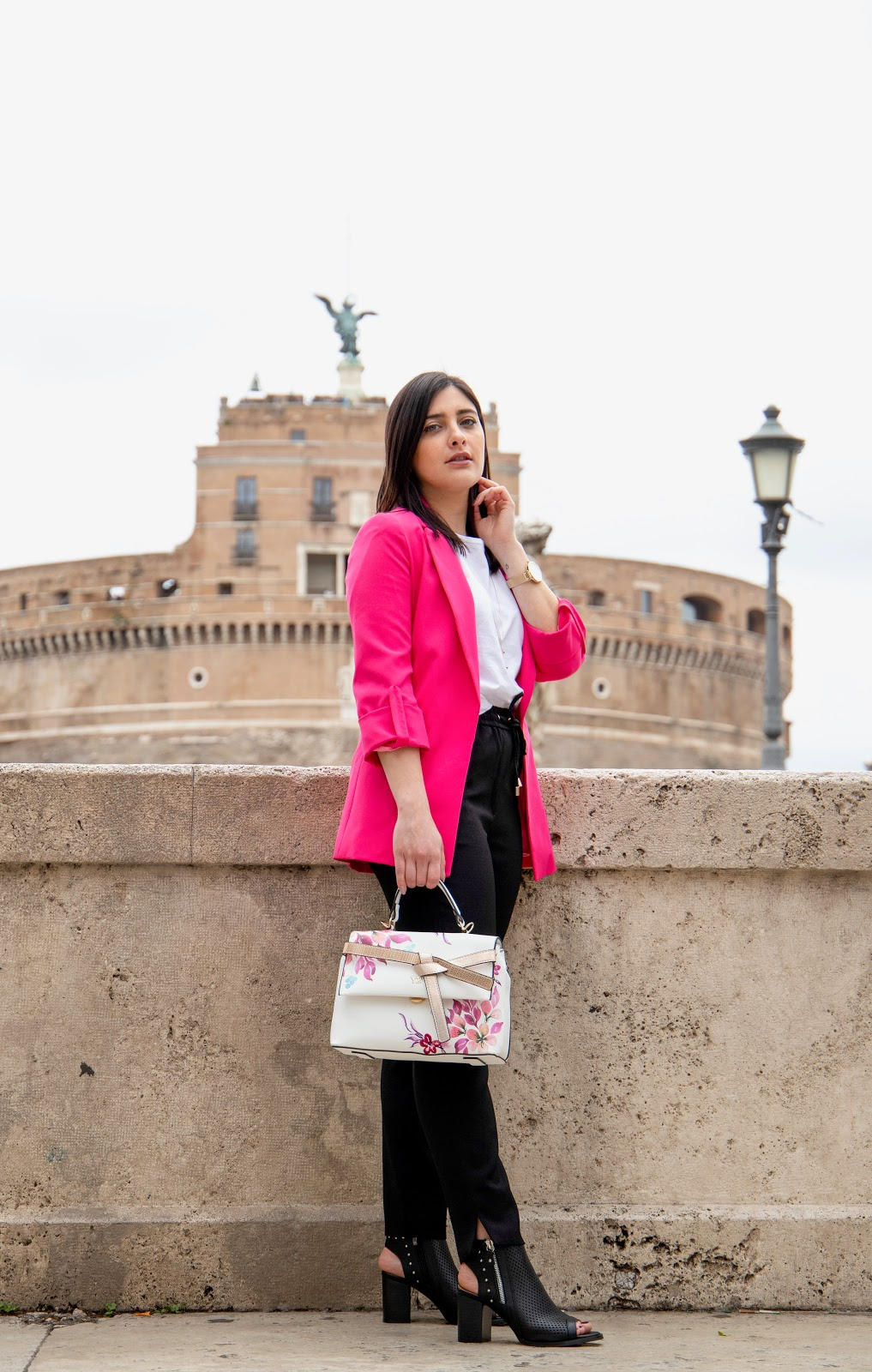 outfit ragazza Castel Sant'Angelo