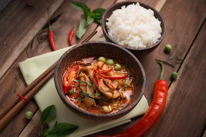 Panduan Mencegah Cegukan Sewaktu Makan Pedas