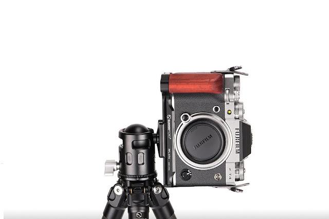 Sunwayfoto PF-XT4 on Fujifilm X-T4 portrait