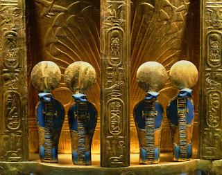 A felágaskodó kobra, mint egyiptomi szimbólum
