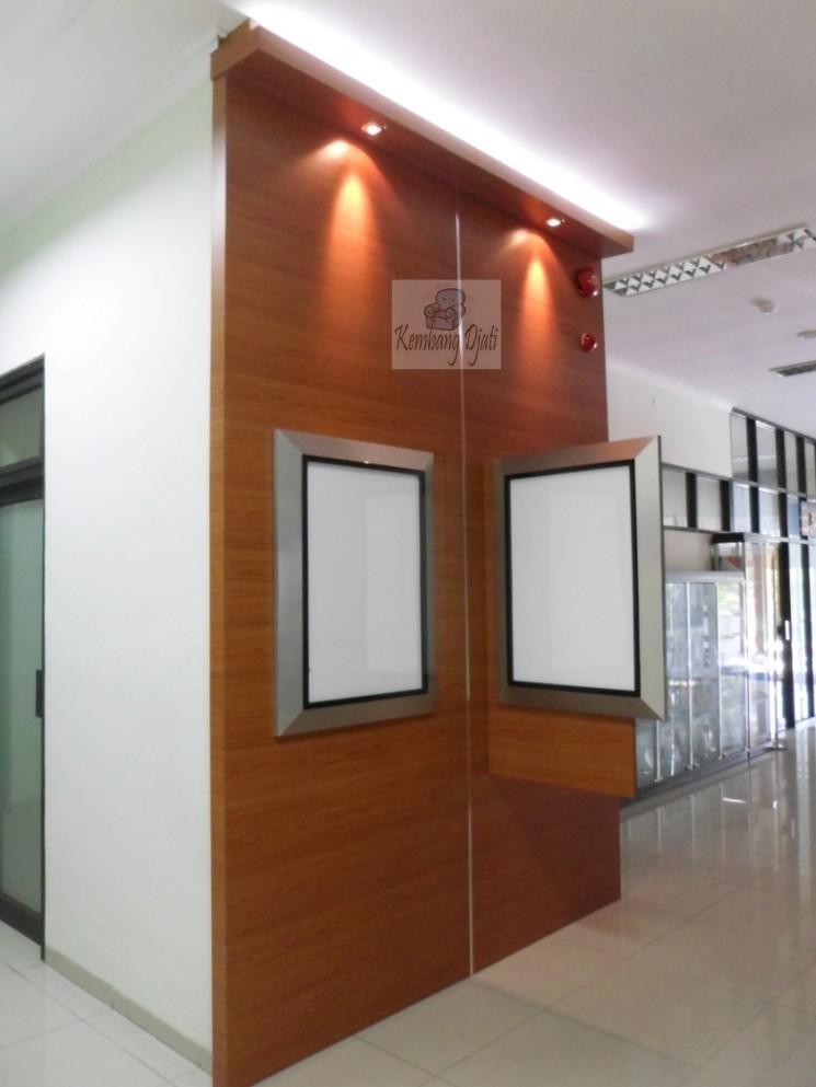Pesan Backdrop Dinding Kantor di Kota Semarang  Furniture
