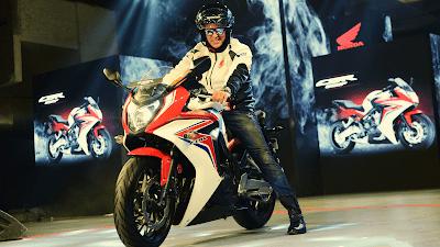 Akshay Kumar  Bike Riding HD Wallpaper