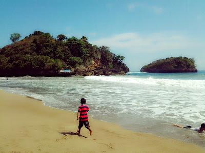 Pantai Ungapan Malang
