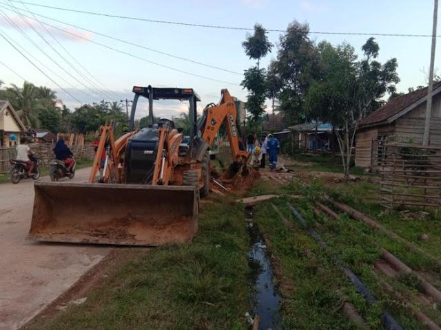 HEBOH !! Pipa Minyak Perusahaan PT. Medco Bocor MERUSAK Lahan Persawahan Warga Desa Jirak