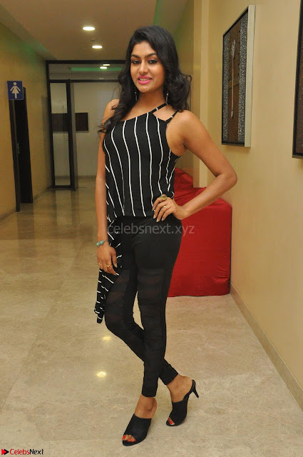 Akshida in Black Tank Top at Kalamandir Foundation 7th anniversary Celebrations ~  Actress Galleries 002.JPG