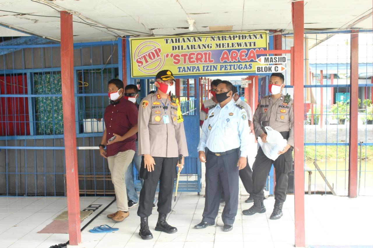Kunjungi Rutan Buntok, Kapolres Pastikan Kondisi Kamtibmas Dan Kesehatan Para Tahanan