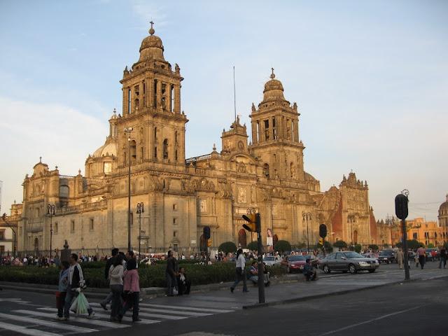 Atención a la conservación de la Catedral Metropolitana