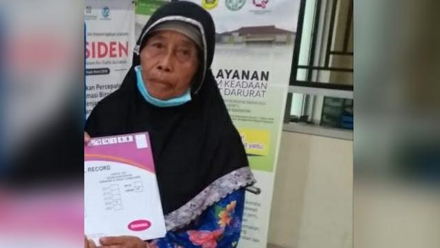 Nenek 70 Tahun Ditampar Petugas, Beras Bansos Miliknya Juga Dipotong 15 Kg