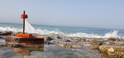 أنا والبحر قصة عشق لا تنتهي ( Me and the sea is a never ending love story )