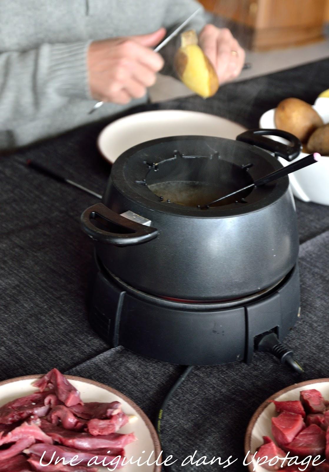 une aiguille dans l 39 potage fondue vigneronne au vin blanc. Black Bedroom Furniture Sets. Home Design Ideas