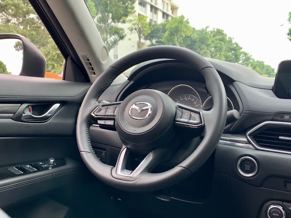 z2126669083049 0e2513b7ba6891f9b15a3914b2726dfd Mazda CX 5 2.0L sx 2018 một đời chủ duy nhất, mới đi được 35.000km
