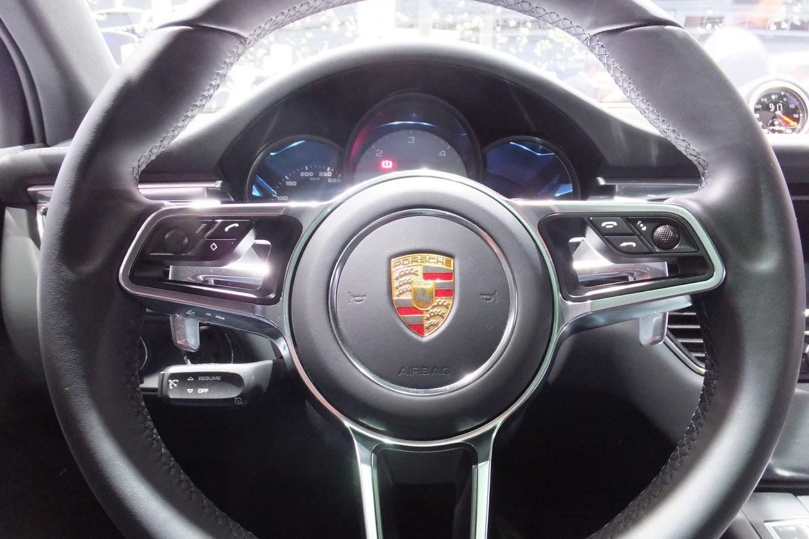 Porsche-macan-interior