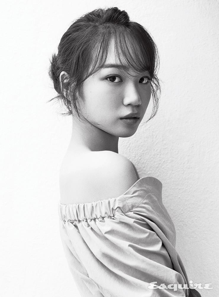 권은비 김채원 에스콰이어 화보