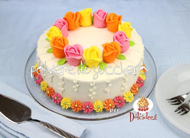 torta decorata rose pasta di zucchero polvere di zucchero dolcidee cameo paneangeli