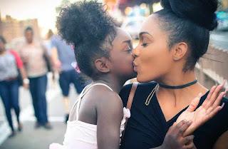 Kumpulan contoh kado terindah untuk Ibu merayakan Hari Ibu