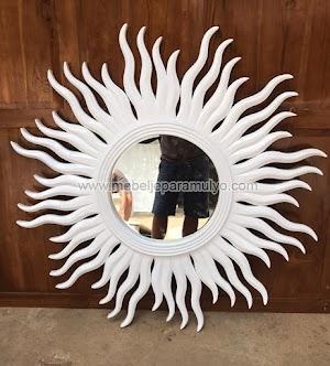 Cermin Matahari Putih Indoor Furniture