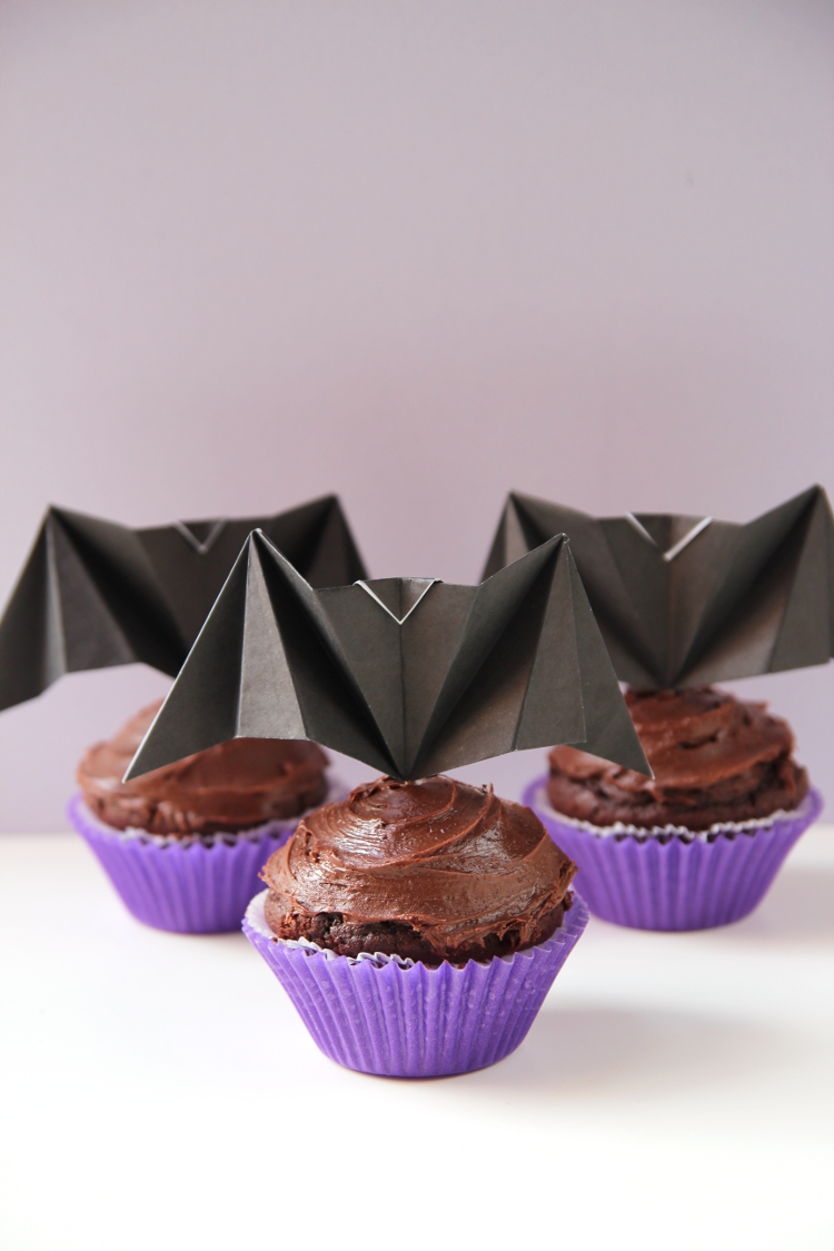 THROW BACK THURSDAY - ORIGAMI BAT CUPCAKE TOPPERS.
