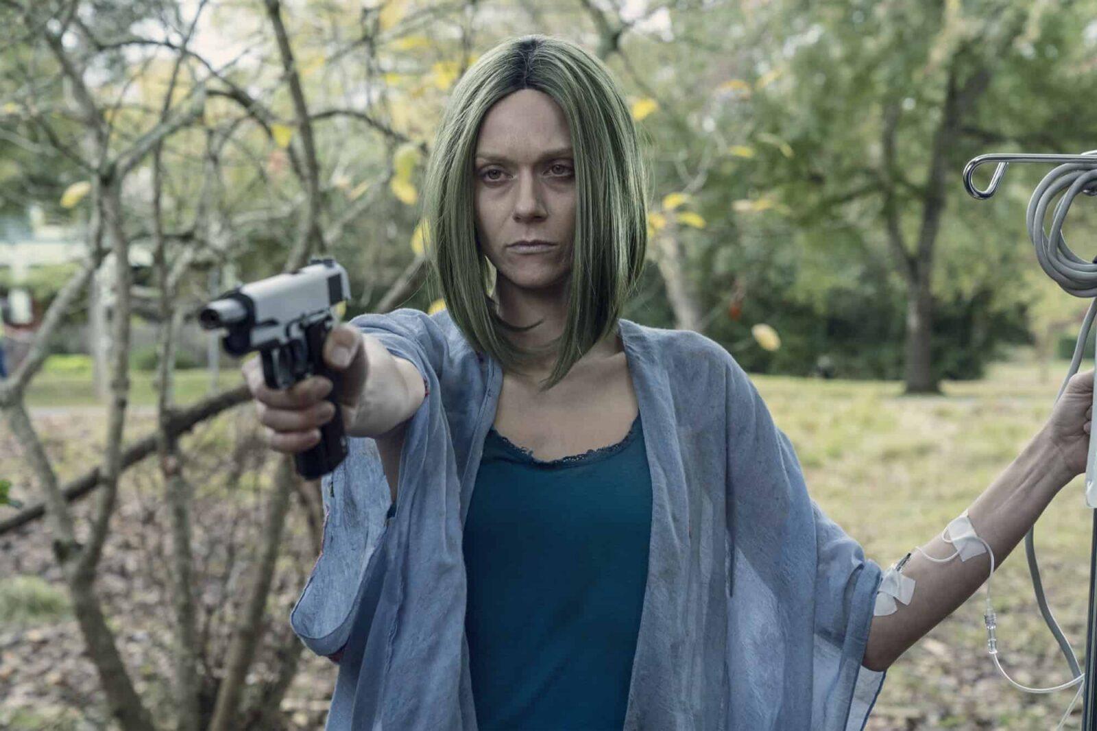 Lucille salva a Negan de un caminante en The Walking Dead