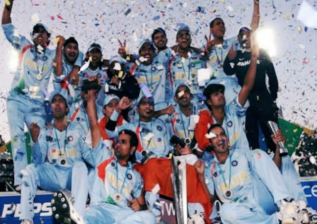 Indian team with T20 world cup trophy