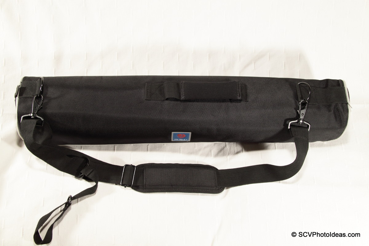 Benro A-298EX shoulder strap clipped on carrying case
