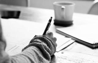 Lomba menulis terbaru, lomba menulis fiksi, lomba menulis blog, lomba menulis blog 2021, lomba menulis fiksi 2021, lomba menulis novel 2021, cara mengirimkan karya tulis ke penerbit, cara mengirimkan tulisan ke lomba, cara ikutan lomba menulis, siapa saja penyelenggara lomba menulis, apa itu lomba menulis